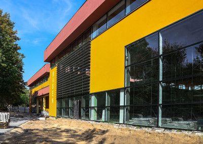 Budowa basenu i hali gimnastycznej w Warszawie